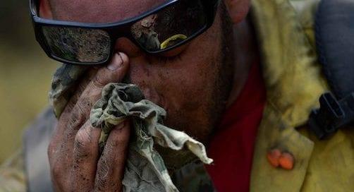 bombero-forestal-agostado-humo-hollín-osbo