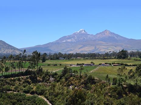 Ecuador-agroforestal-andino-volcán-Illiniza