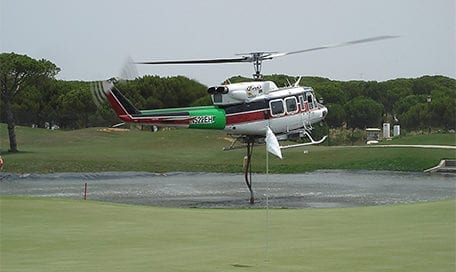 helicóptero, carga, agua, golf