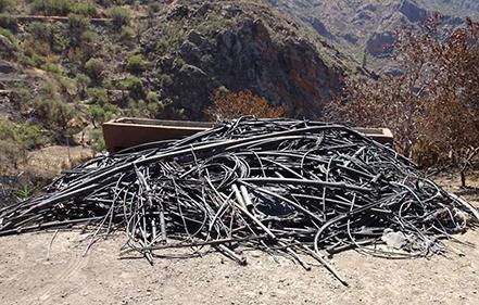 tuberías-riego-incendio-Canaria-retiradas