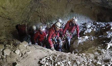 UME-rescate-cueva